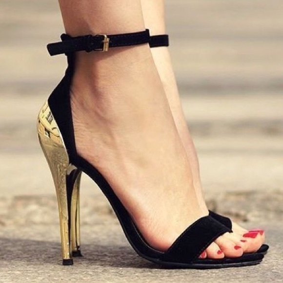 ee8b7e73 Black & Gold Zara Heels. M_5ad62c023a112ea830e50957